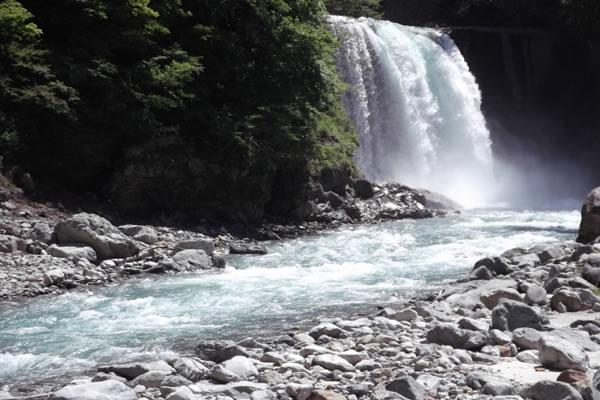 黒部峡谷の滝