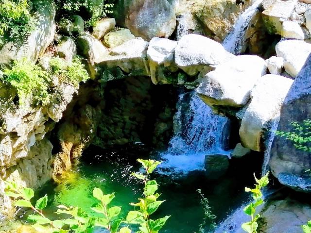 三滝川上流大石公園